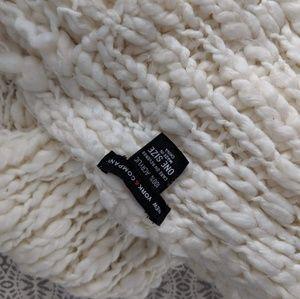 New York & Company Accessories - NY&Co scarf